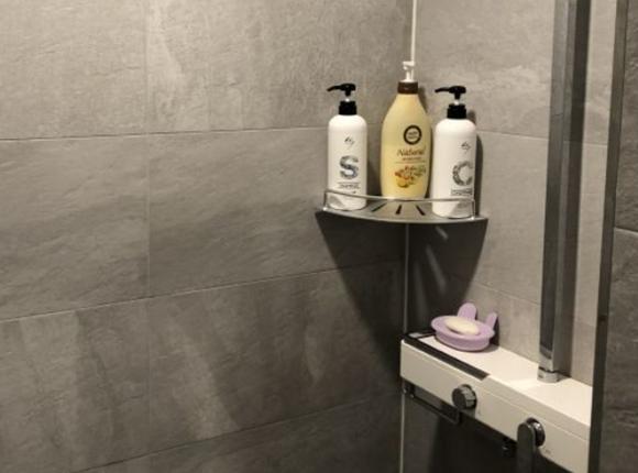 수원 아로마 마사지 샤워실