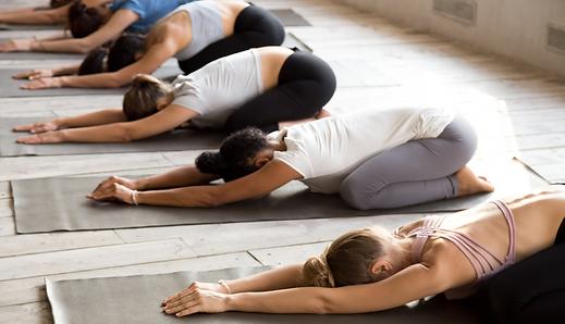 Yoga, Asana, Vinyasa, Bienestar, Flexibilidad, Paz mental, Mindfulness, Meditación, Balasana
