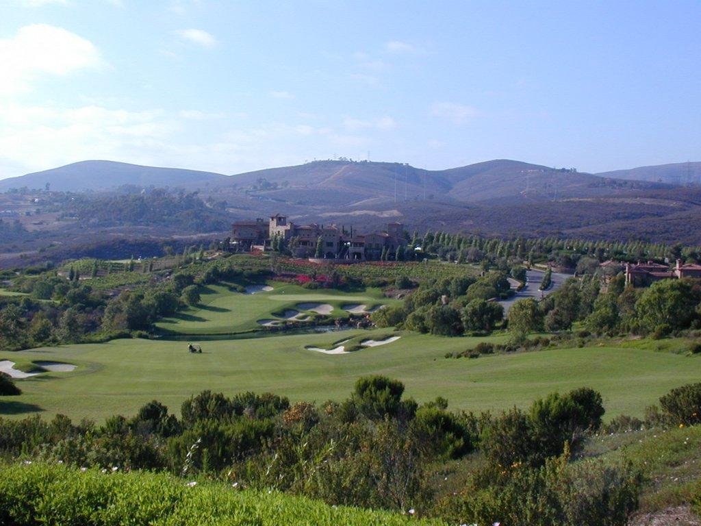 18th_tee_at_The_Bridges_Golf_Club_in_Rancho_Santa_Fe,_California