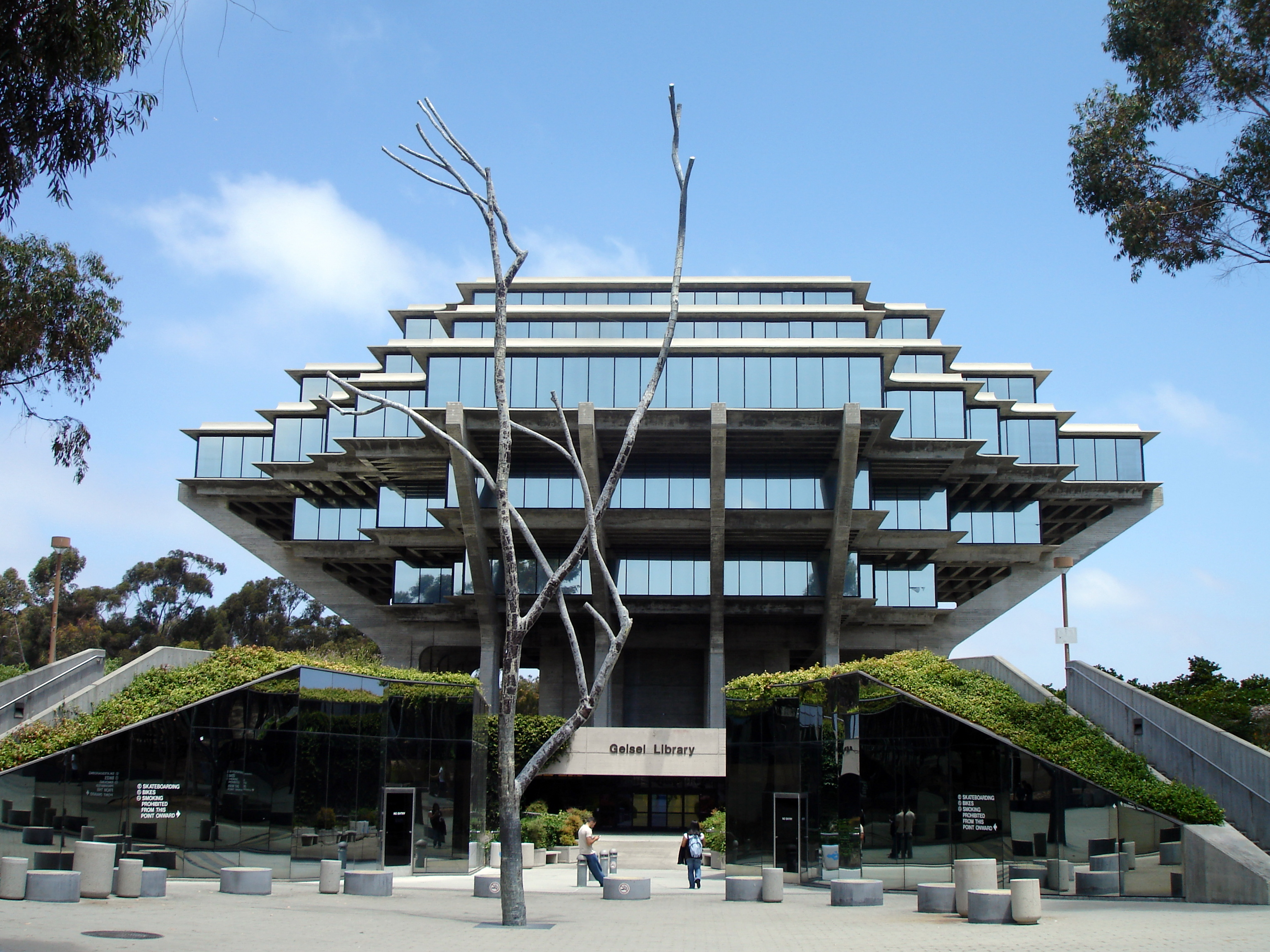 Geisel_Library,_UCSD