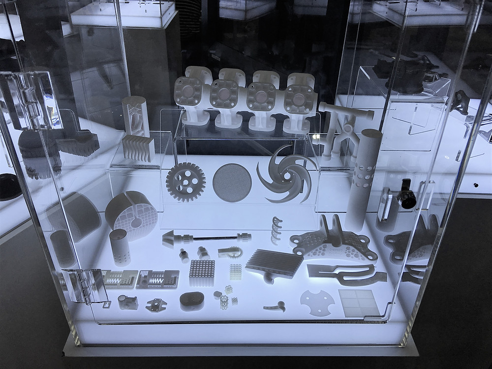 Ceramic 3D printed parts on display at Creatz3D booth.