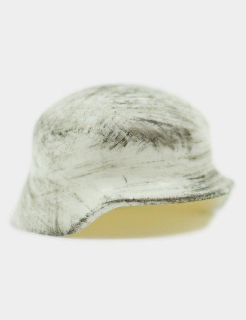 Scratched Stahlhelm White