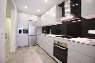 10 Bedrooms Brand New House - Downtown