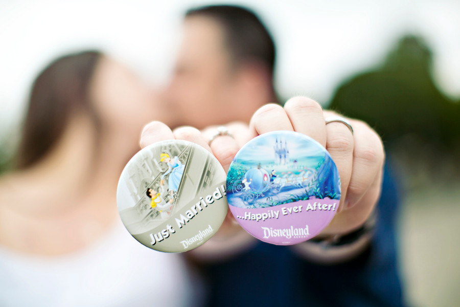 http://sarinalove.com/engagements/disneyland-engagementhoneymoon-sessions-a-compilation-of-some-of-my-most-recent-disneyland-sessions/