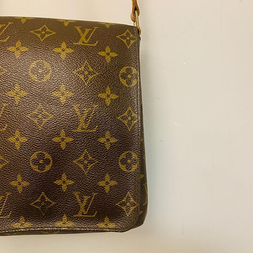 Bolsa Louis Vuitton Marrom