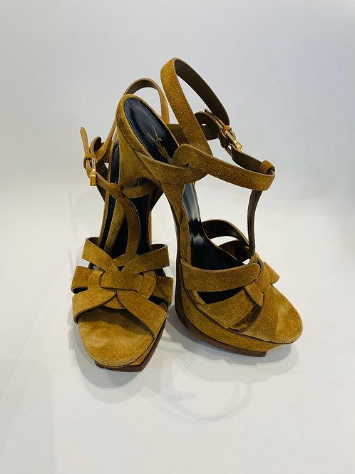 Sandália Yves Saint Laurent em Camurça