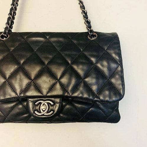 Bolsa Chanel Single Flap Preta