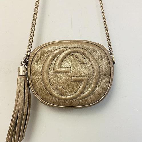 Bolsa Gucci Soho Dourada