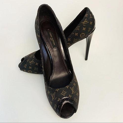 Sapato Louis Vuitton tam. 37
