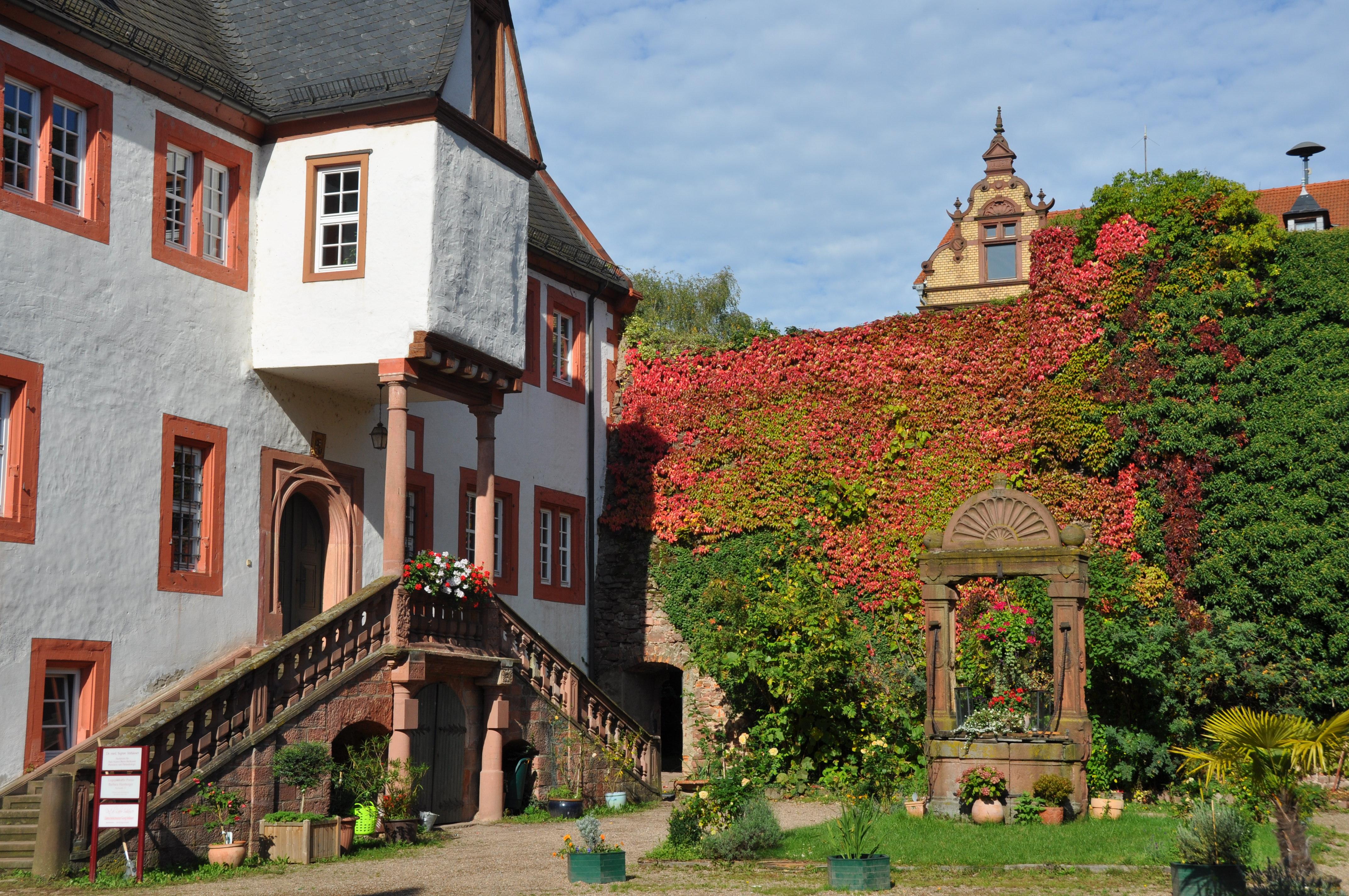 Stadtschloss im Herbst