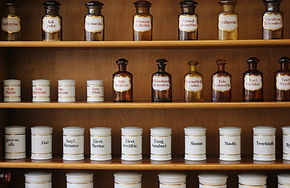 Naturopathie Shelf