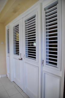 Half lourve doors