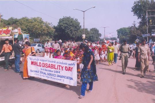 2004 -2  (World Disability Day)