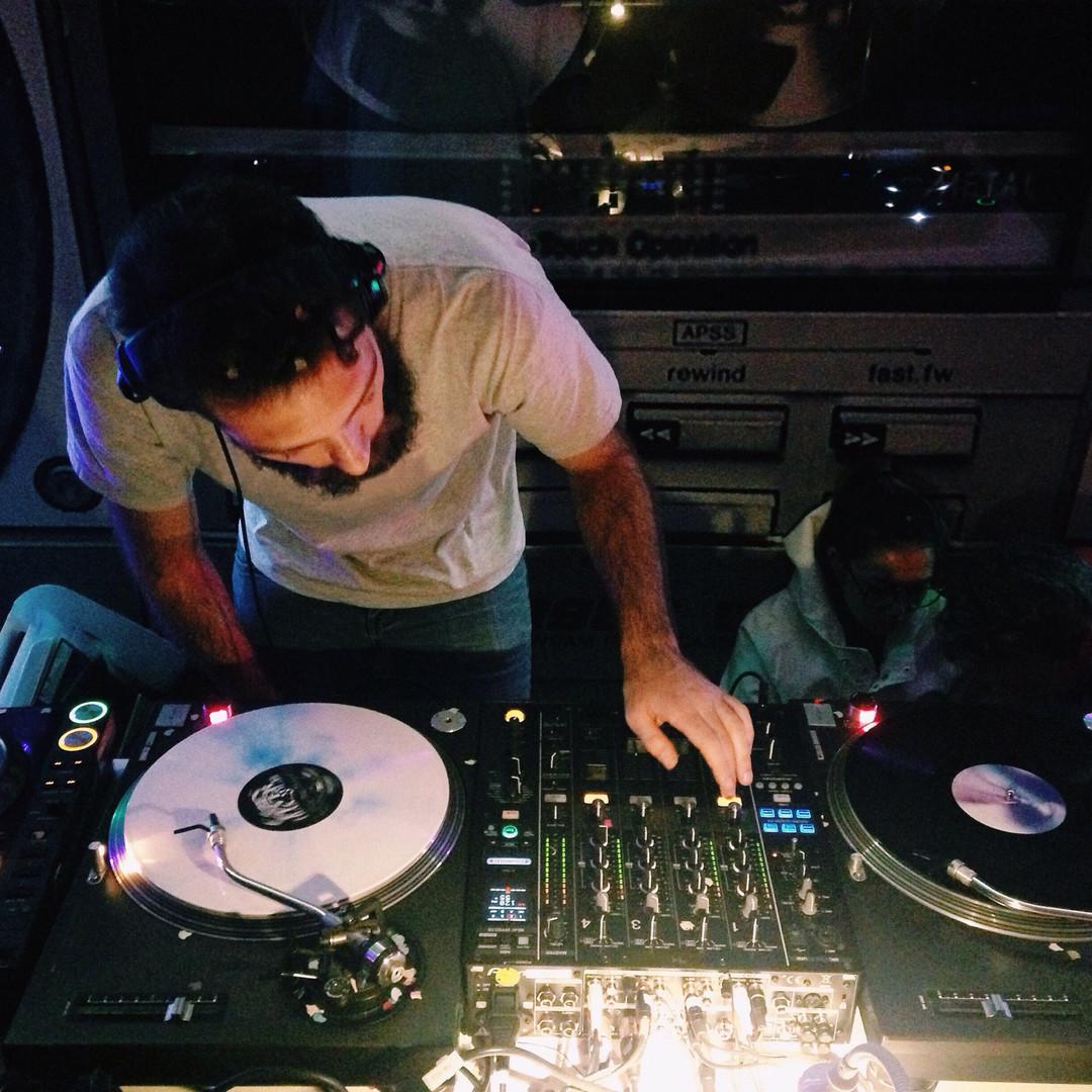 Live Streaming DJ's