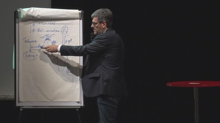 conférence du Professeur Campone : http://www.tv-sevreetmaine.fr/visu_reportage.php?vdo=2673