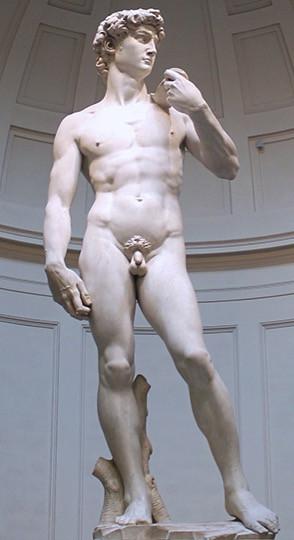 O monumental Davi, obra prima do jovem Michelangelo conservado na Galleria dell'Accademia, em Florença