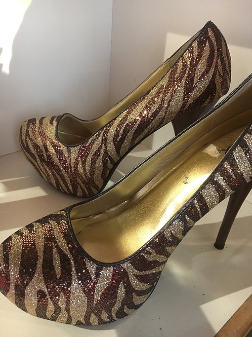 Brown and Gold Tiger Print Heels Size 10
