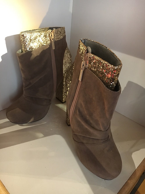 Brown and Gold Boot Heels Size 7