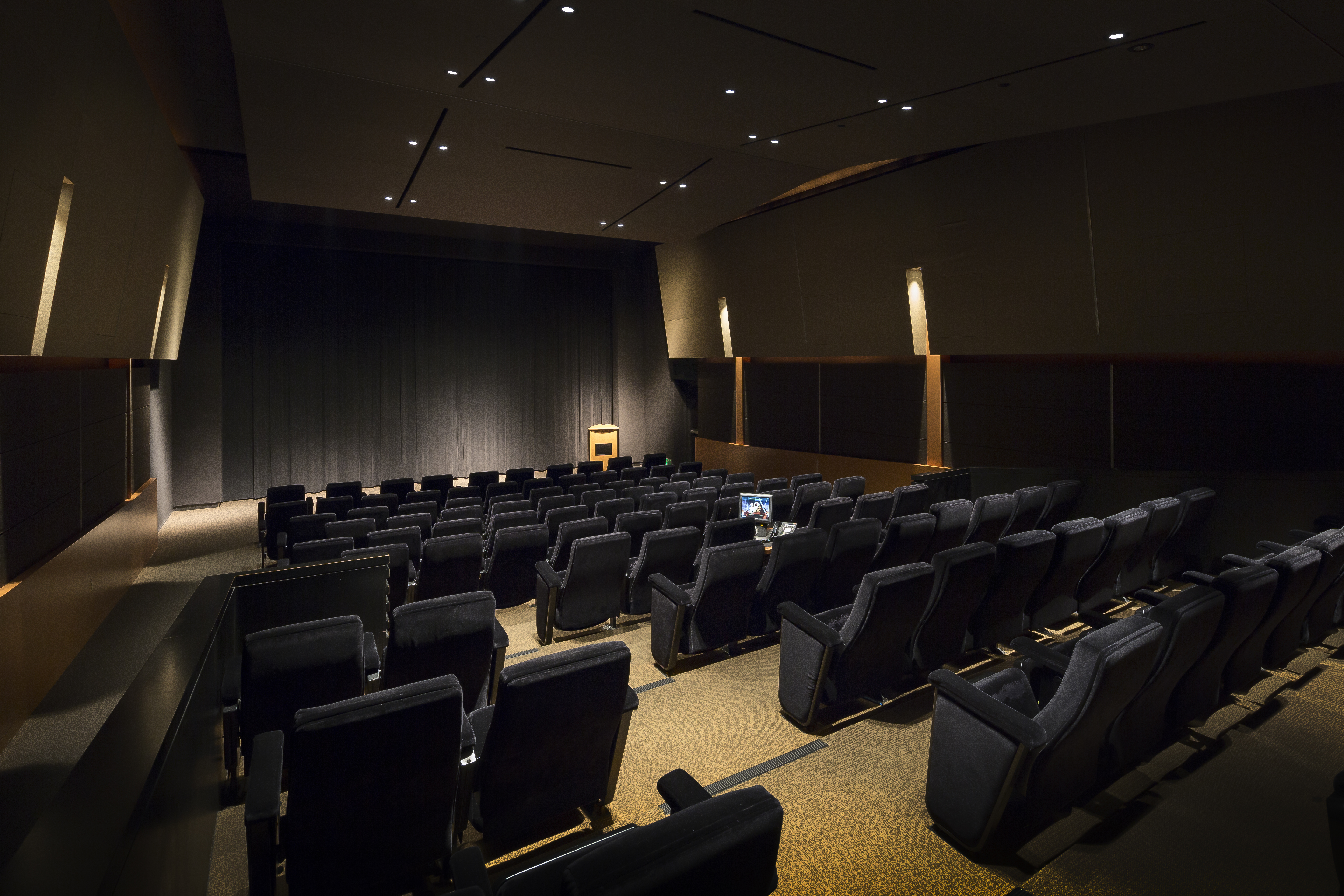 LITTLE THEATER - 120 Seats