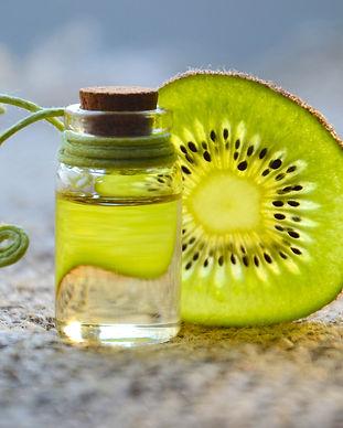 cosmetic-oil-kiwi-fruit-essential-oil-sp