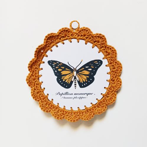 Papillon . Illustration au crochet