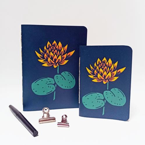 Lotus . Bleu . A6 ou A5
