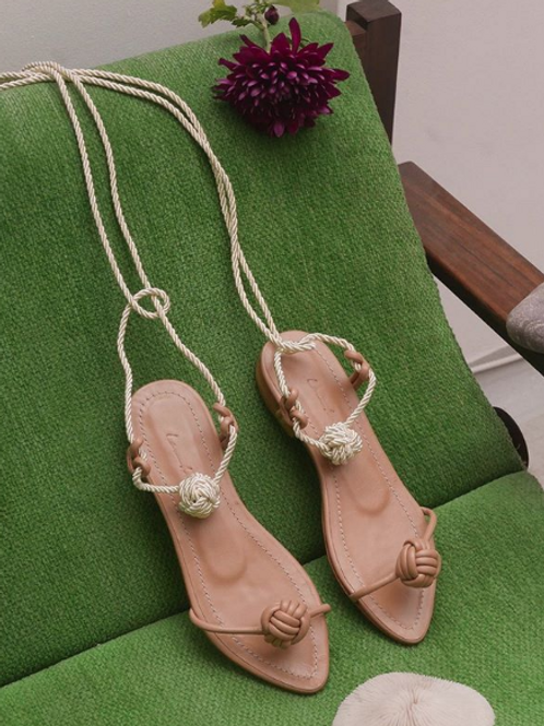 Francisca Flat/ Nude/ Nude/ off white knot