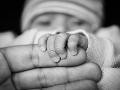 Moins de bébés prématurés légers durant le confinement...