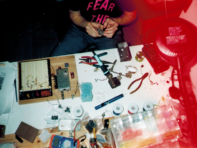 picture of Kevin's circuitry workshop   by Ian Dwy