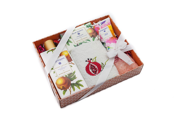 Cosmetic gift box Danae No6