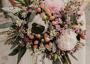 Des fleurs, des fleurs, l'amour