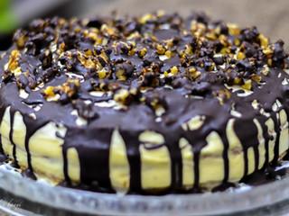 Sviatočná krémovo-orechová torta