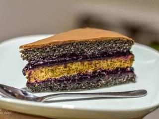 Makovo-orechová torta s čerešňovou plnkou
