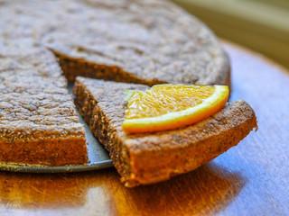 Pomarančovo-čokoládová tortička z orechovej múky