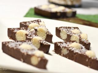 Čokoládový zákusok s kokosovo-citrónovými guľkami