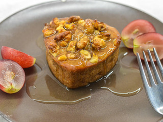 Hruškové muffiny s orechmi a dressingom z medoviny