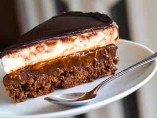 Orechovo-čokoládovásviatočnápaleotortička