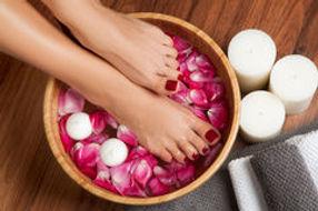 beautiful-female-feet-at-spa-salon-on-pe