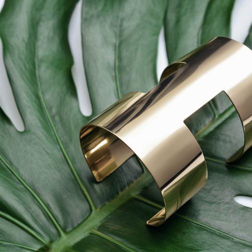 gold & leafy pattern