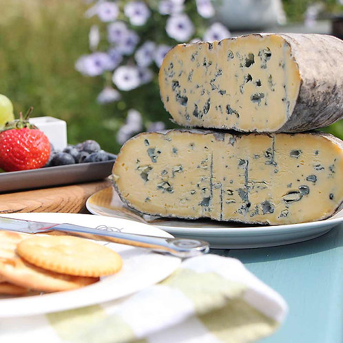 Christmas Two Hoots Barkham Blue Cheese approx 300g