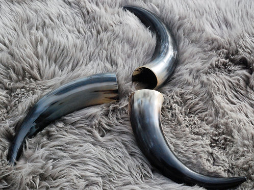 Drinking Horn and Stand  8oz.