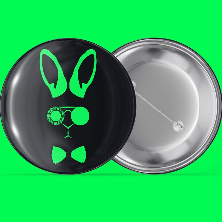 Pin-Emblem-Badge-Mockup-03.jpg