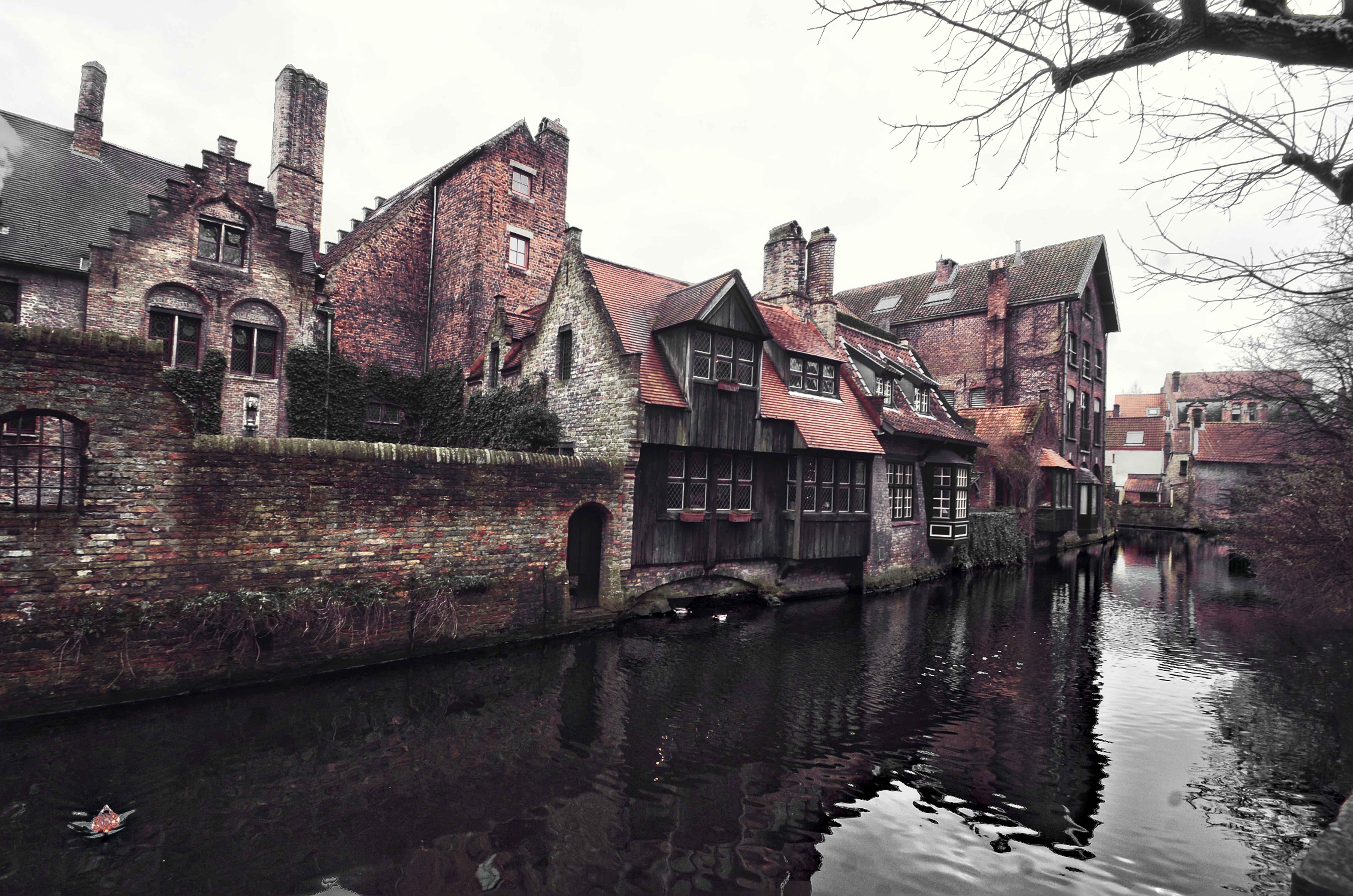 Bruges cannals