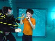 Unterwasser Schauspiel Training Kinder