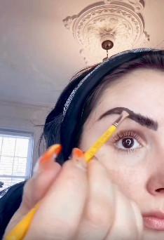 DIY Eyebrow Tinting