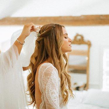 Half up -Wedding-hairstyle-waves-halo-hair-blonde-halfdown-boho