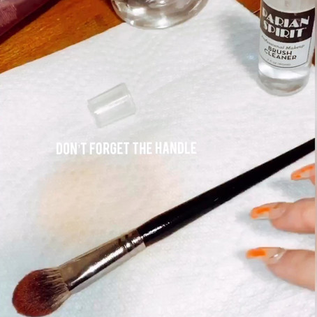 How to Sanitize Makeup Brushes/ Products