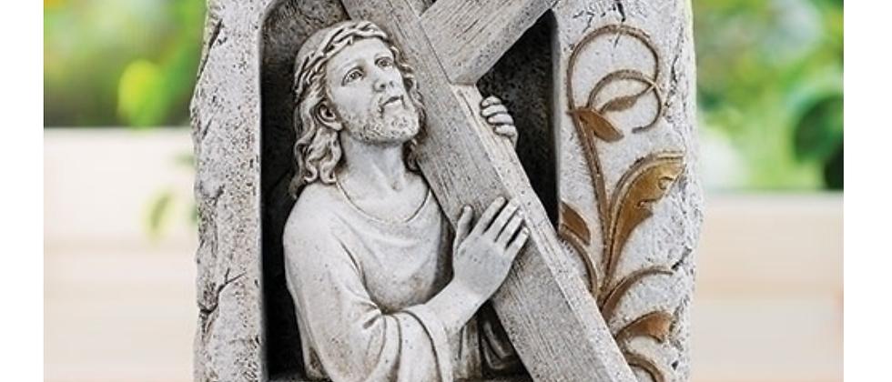 "10.25""H JESUS HOLDING CROSS GARDEN STONE"