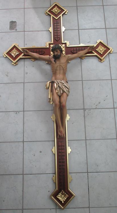 Crucifix baroque.jpg