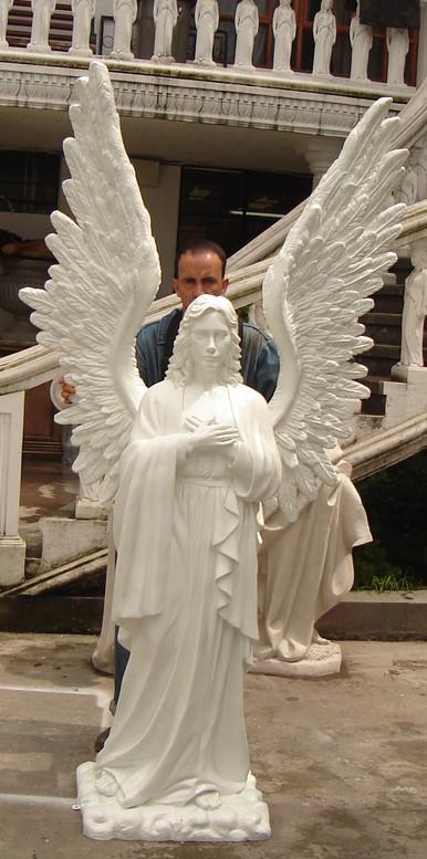 Angel Praying b.jpg